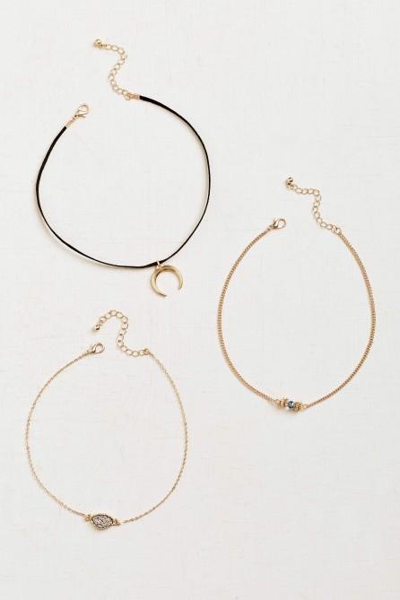 45038-necklacetriplechoker-1520.jpg
