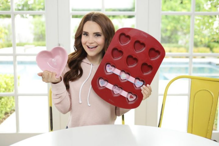 rosanna-pansino-kitchen-haul-e1488925294935.jpg