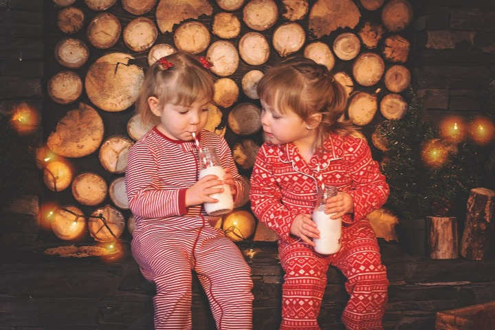 christmas-kids-1073567_1920.jpg