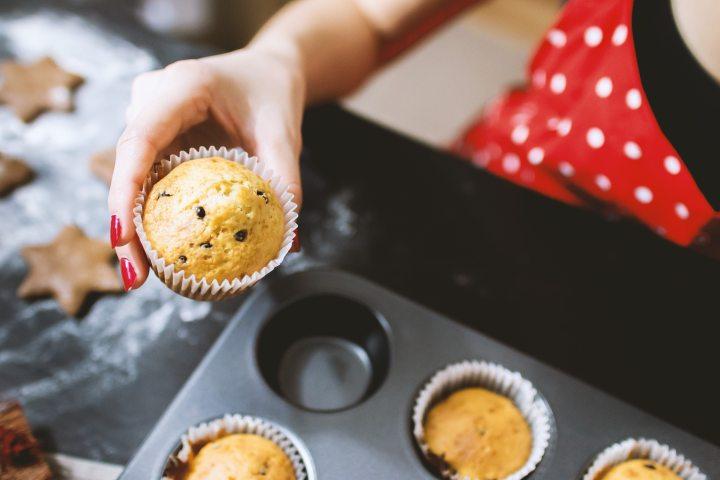 baking-cupcakes-dessert-242429.jpg