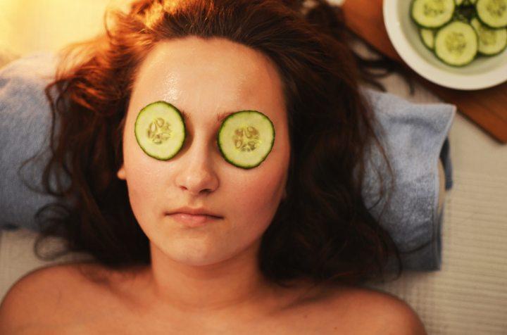beauty-girl-mask-3192.jpg